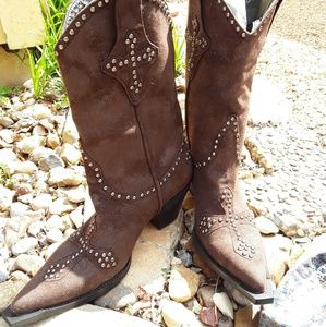 Gorgeous Brown Boots